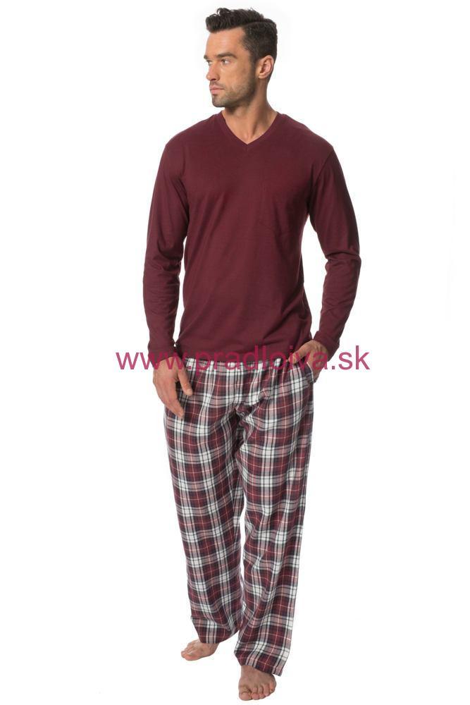 66600e788163 Pánske dlhé bavlnené pyžamo Danny vínové nohavice vzor káro